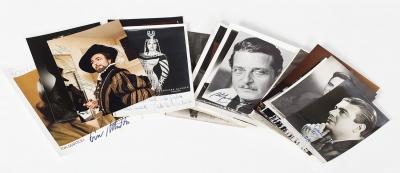Colección de 39 postales y fotografías autografiadas de