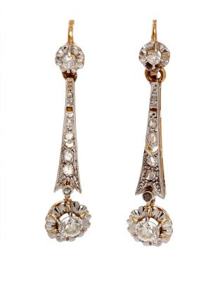 Belle Époque pair of early 20th century earrings in 18K yellow gold with platinum views. Decorated with diamonds set, with a total weight of ca.