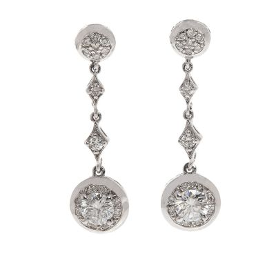 Long earrings chatones in white gold. Ornamented by brilliant cut diamonds with a total of 0.