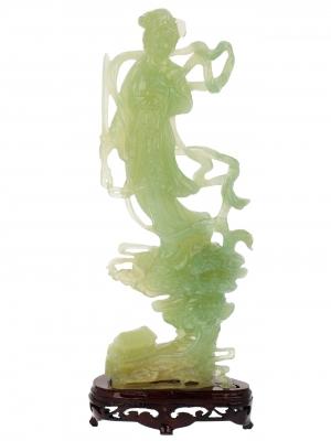 """""""Doncella""""Talla en jade; China, siglo XX."""