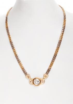 Gargantilla en oro amarillo con un diamante  ca. 3,60 cts