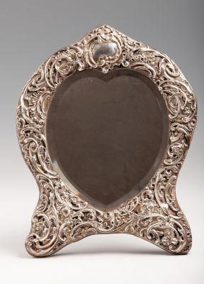 Dressing mirror from the 19th century.Silver.