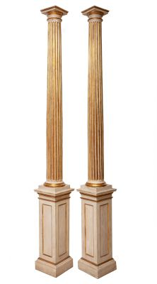 Pareja de columnas toscanas, s. XIXRealizadas en madera tallada, policromada y dorada con pan de oro.