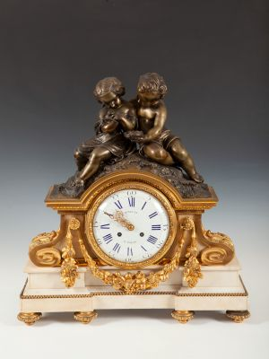 RINGUET-PARIS WATCH Luis VII -Napoleón IIIGilt bronze and chiseled marbleMeasures: 64 x 34 x 10 cm..