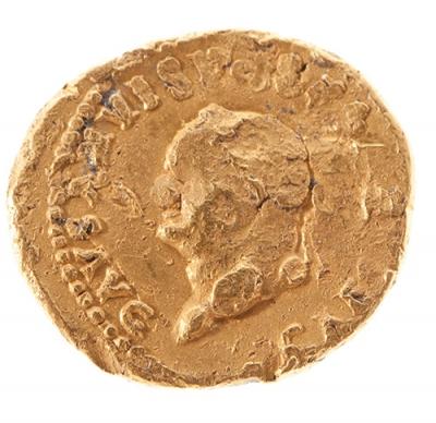 Áureo, acuñada entre el 78-79 d.C. VESPASIANO.